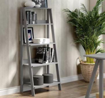 Декоративная лестница в интерьере квартиры