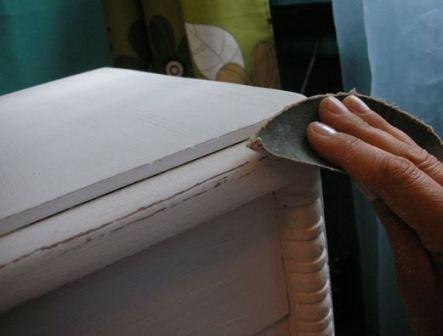Как перекрасить мебель в домашних условиях