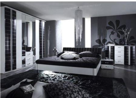 Спальня в черных обоях