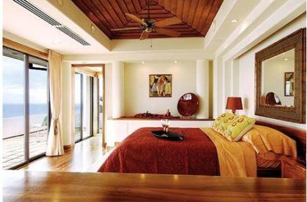 Уютная теплая спальня