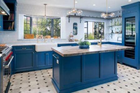 Синяя кухня: фото