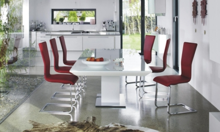 Стол обеденный белый