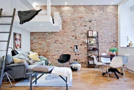 Кирпичная стена в интерьере гостиной